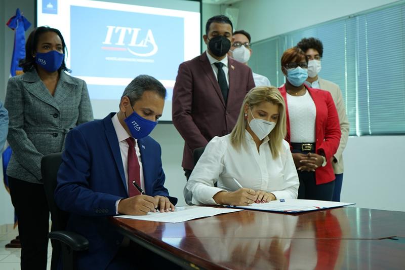 Rector de ITLA y Ministra Juventud firman acuerdo de intención para capacitar jóvenes en áreas de la tecnología