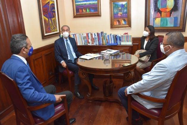 Rector Omar Méndez y Ministro del MESCyT se reúnen para fortalecer programas virtuales