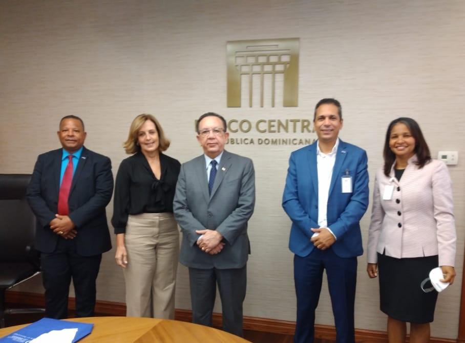 Rector Omar Méndez y Gobernador del Banco Central conversan sobre Ciberseguridad Bancaria