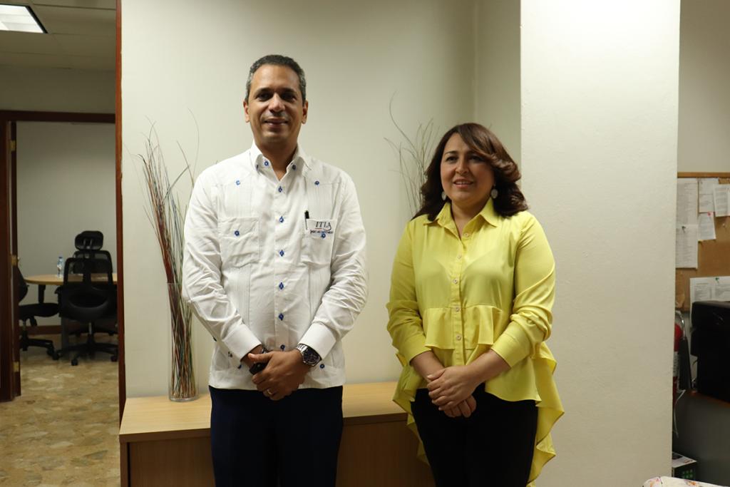 Rector recibe visita de Presidenta Electa de Acroarte
